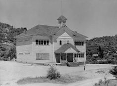 School house in Kennett during construction of Shasta Dam. :: Shasta Dam Digital Collection the kennett school house was located at the top of the town on a hillside near an area fondly known as Little Italy. Shasta Dam, Lake Shasta, Redding California, Sunken City, California History, Ventura County, Little Italy, Places Of Interest, Northern California