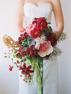 non-traditional, lush bridal bouquet // #red #pink #natural