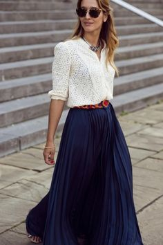 navy maxi skirt + white top http://www.studentrate.com/fashion/fashion.aspx