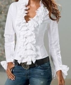Shop Boston Proper for women's fashion that is chic, sensuous and unique. Exclusive designs with the most wanted styles in tops, jeans and pants. Browse for the newest must-have dresses, knit tops and accessories Mode Outfits, Stylish Outfits, Blouse Styles, Blouse Designs, Casual Chic, Casual Wear, Mode Ab 50, Mode Pop, Elegantes Outfit
