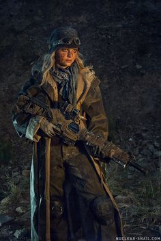 Post-apocalyptic Costuming by Dmitiri Zaitsev of Nuclear Snail Studios [deviantArt / Facebook / YouTube]