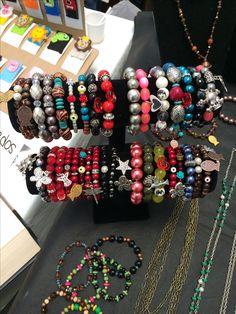Pulseras originales, bangles, handmade. Sígueme en Facebook: @RockstarModaYAccesorios. Sí lo quieres llámame: 0995820609. Quito-Ecuador