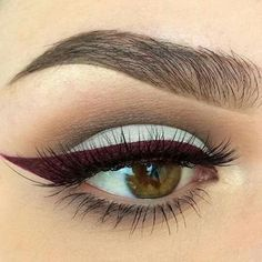 Marsala eyeliner