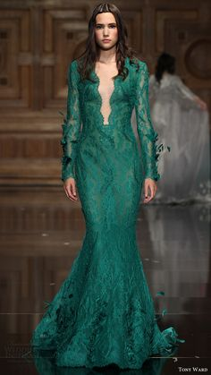 tony ward couture fall 2016 - 2017 long sleeves deep v neck trumpet gown (22) mv green color