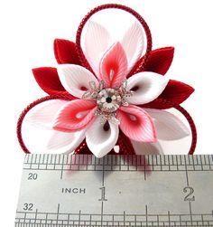Flores de tela Kanzashi. Conjunto de 2 colas de caballo. Rojo
