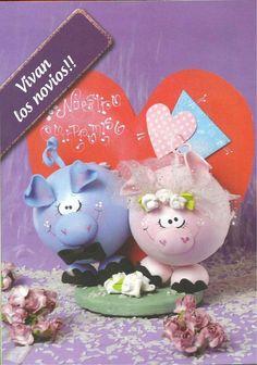 Vivan los novios! Paso a paso #foami Kids Crafts, Foam Crafts, Diy And Crafts, Pasta Flexible, Valentine Day Crafts, Doll Patterns, Craft Gifts, Farm Animals, Dolls