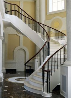 0418 Curved Stairs