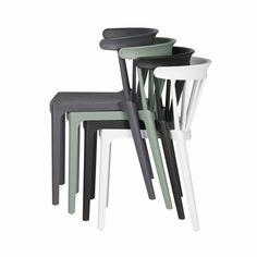WOOOD STOEL BLISS Trendy spijlenstoel Bliss van Woood voor binnen en buiten in 4 kleuren. De spijlenstoel is weer terug van weggeweest. Aan tafel, achter het bureau of buiten!