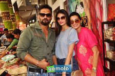 Sunil Shetty, Athiya Shetty & Mana Shetty at Araaish Exhibition at Hotel Blue Sea in Worli, Mumbai