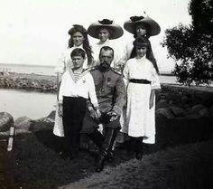 Tsar Nicholas ll of Russia with his children.A♥W
