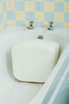 http://www.midlandmobility.co.uk/index.php?main_page=product_info&cPath=66&products_id=1205 Designed to enable shorter people to bathe in safety and comfort. Rubber suckers are fitted to attach the Bath Shortener to the foot of the bath to prevent it slipping. 194 Torrington Avenue, Coventry, CV4 9BL.