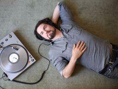 Matt Nathanson ft. LOLO - Headphones, music for a good cause / Música por una buena causa