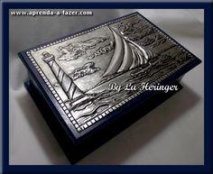 Caixa decorada com Latonagem usando estanho - Decorated box made with metal embossing technique using pewter - Caja decorada con Repujado hecho con estaño ------------------------------LOJA: casadalatonagem.com - FANPAGE: facebook.com/casadalatonagem  - PINTEREST:br.pinterest.com/luheringer  -YOUTUBE: youtube.com/user/LuHeringerArtesanato/videos - BLOG: artesanatoSaprendaafazer.blogspot.com.br -  INSTAGRAM: instagram.com/luheringer2015