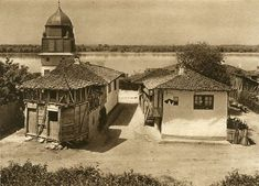 Album fascinant captat in Romania acum 82 de ani - CYD. Danube Delta, Old Photos, Gazebo, Medieval, The Past, Outdoor Structures, Cabin, Architecture, House Styles