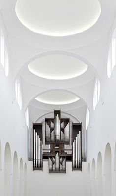 St Moritz Church in Germany by British architect John Pawson. Photographed by Hufton + Crow. Sacred Architecture, Architecture Design, Church Architecture, Religious Architecture, Beautiful Architecture, Sustainable Architecture, Landscape Architecture, John Pawson, Interior Design Tips