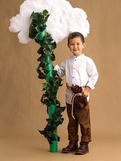 51 Kid Halloween costumes that are easy to make These costumes are faster than the lineup at the party store and easier than one of those fancy pumpkin-carving stencils. Book Costumes, Fairy Tale Costumes, World Book Day Costumes, Book Character Costumes, Costume Ideas, Easy Book Week Costumes, Teacher Costumes, Halloween School Treats, Halloween Kostüm