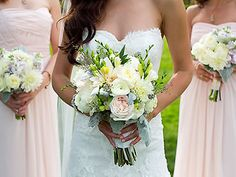 Pretty wedding bouquets by Elizabeth Wray Design, Chicago IL Wedding Flowers.