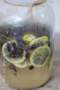 Healthy Drinks, Healthy Recipes, Home Canning, Edible Flowers, Smoothies, Herbalism, Food And Drink, Cooking Recipes, Herbs