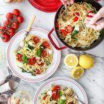 Easy Pasta Recipes for Deliciously Fuss-Free Dinners Linguine Recipes, Easy Pasta Recipes, Veggie Recipes, Dinner Recipes, Dinner Ideas, Roasted Vegetable Pasta, Roasted Tomatoes, Roasted Vegetables, Tomato Linguine