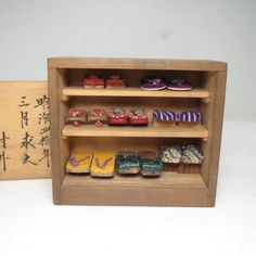 Some of the geta are a bit large for a doll house -( the size of the yellow geta is width 0.8 in x length 1.6 in x height 0.4 in) - but they are too cute not to include here.