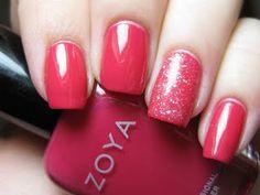 i like the idea of glitter on one nail