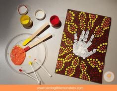 Q-Tip Dot Paintings - Aboriginal inspired art for Kids - Taming Little Monsters Aboriginal Art For Kids, Aboriginal Dot Painting, Q Tip Art, Handprint Painting, Art Template, Printable Templates, Free Printable, Fingerprint Art, Aboriginal Culture