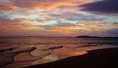 Dusk on Phra Nang Beach, Krabi, Thailand (by MoToTo)