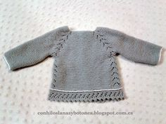 Knit Baby Sweaters, Knitted Baby Clothes, Knitted Baby Blankets, Crochet Girls, Crochet Baby, Knitting For Kids, Baby Knitting, Blanket Jacket, Pull Bebe