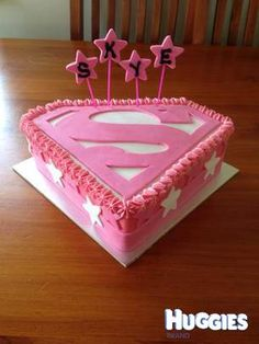 This is a great girlie superhero cake - For all your cake decorating supplies, please visit craftcompany.co.uk