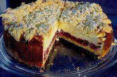 Cheesecake with cherries and sprinkles from Strawberry Cheesecake Recipe Easy, Cheesecake Factory Recipe Chicken, Sour Cream Cheesecake, Easy No Bake Cheesecake, Mini Cheesecake Recipes, Homemade Cheesecake, Cheesecake Bites, Brownie Recipes, Sprinkles