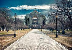 Saint-Boniface Cathedral in Winnipeg, Manitoba, Canada. Photo by Paul Flynn (Toronto), via Flickr