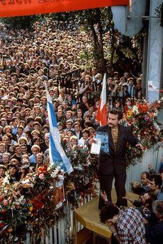 Lech Wałęsa na zakonczeniu strajku w Stoczni im. Lenina  Gdańsk 1980