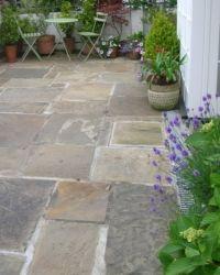 City Gardening reclaimed york stone paving Edward Hitchen Ltd (Hitchen's of Exeter) Paving Stone Patio, Outdoor Paving, Garden Paving, Paving Slabs, Paving Stones, Stone Patios, Courtyard Gardens, Backyard Patio, Backyard Landscaping