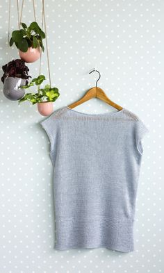 Maailman helpoin pellavaneule | Meillä kotona Crochet Chart, Knit Crochet, Easy Knitting, Knitting Patterns, Diy Projects To Try, Ravelry, Crop Tops, Sewing, Handmade