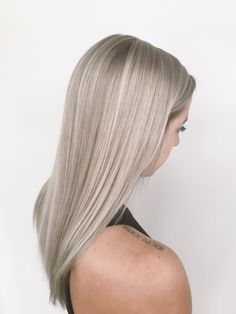 Source by - Cabello Rubio Ashy Blonde Hair, Blonde Hair Care, Silver Blonde Hair, Blonde Hair Looks, Blonde Makeup, Balayage Hair, Hair Makeup, Grey Blonde, Blue Grey
