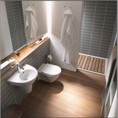Is your home in requirement of a shower room remodel? Right Here are Remarkable Small Shower Room Remodel Layout, Concepts As Well As Tips To Make a Better. Beautiful Small Bathrooms, Very Small Bathroom, Bathroom Design Small, Bathroom Interior Design, White Bathroom, Modern Bathroom, Bathroom Designs, Master Bathrooms, Small Space Bathroom