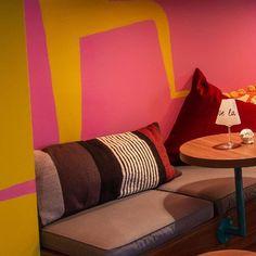 happy weekend   @patrickboecker_ . . . #interiordesign #restaurantdesign #interior4inspo #bardesign #igersvienna #designlovers #interior4you1 #styleoftheday