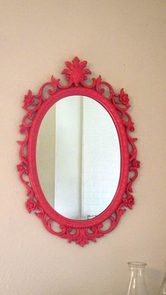 I have a gold mirror like this i've been wanting to paint!