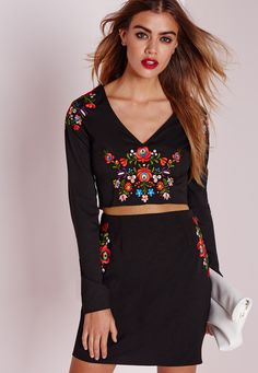 Missguided - Embroidered Folk Long Sleeve Crop Top Black