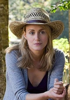 Characterization: I think Taylor Schilling would make a great Steala Because she is strong willed but still caring.  She can be understanding but still demanding like Steala.  Steala isn't afraid of anything not even her horrible husband Stanley she knows how Stanley is but she is still understanding about it and still shows affection towards him even though he beats her.