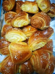 Scones, Easter Bread Recipe, Homemade Dinner Rolls, Cooking Bread, Food Gallery, Hungarian Recipes, Hungarian Cake, Salty Cake, Snacks