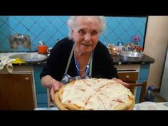 Pizza italiana- receta de la nonna Violetta - YouTube Polenta, Empanadas, Ethnic Recipes, Youtube, Food, Homemade, Food Recipes, Empanada, Youtubers