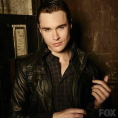 Sam Underwood - The Following