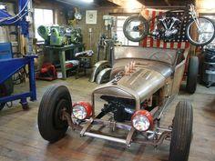 http://www.lotustalk.com/forums/f218/garage-pics-3735/index11.html