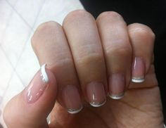 See the thin gold lines on this French mani? Love. From reader @glorihearts