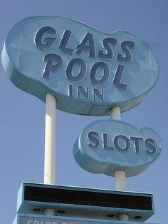Loved driving by and seeing the Glass Pool Inn.  THey never should have torn it down!