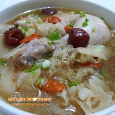 Let's get Wokking!: Chicken Soup with White Fugus 雪耳鸡汤 FULL RECIPE HERE Chicken Soup Recipe chicken soup recipe noodle chicken soup recipe. Chinese Chicken Recipes, Easy Chicken Recipes, Asian Recipes, Easy Recipes, Free Recipes, Chicken Receipe, Indian Chicken, Confinement Food, Herb Soup