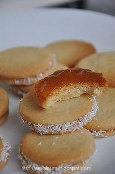 Banuti cu gem | Retete culinare cu Laura Sava Romanian Food, Romanian Recipes, Pastry Cake, Mai, Biscotti, Hamburger, Muffin, Bread, Cookies