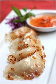 Banh Bot Loc (Vietnamese Clear Shrimp and Pork Dumplings)