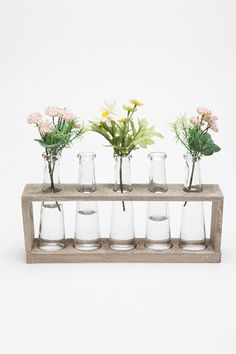 Laboratory Flower Vases from Urban Outfitters. I don't think you need to be a lab nerd. My mom would dig this for flowers in the window. My New Room, My Room, Dorm Room, Fleur Design, Curved Glass, Affordable Home Decor, Home Decor Shops, Room Accessories, Wood Projects